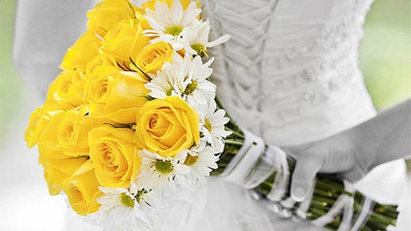 Bouquet-da-sposa-giallo-20-idee-per-matrimonio-estivo-web_800x450
